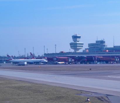 Tower amf Flughafen Berlin Tegel